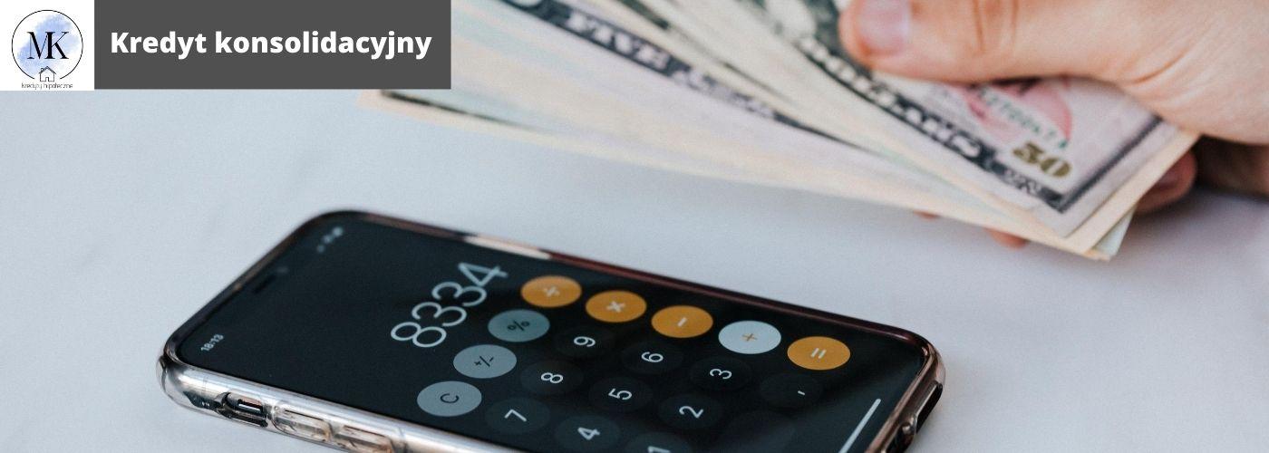 Polega na połączeniu wszystkich zobowiązań finansowych w jedno. Wówczas spłacany jest już tylko jeden kredyt gotówkowy Skonsolidować możemy kredyty: gotówkowe, samochodowe, ratalne, zadłużenia rachunków bieżących oraz karty kredytowe.